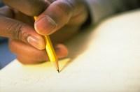 La tasa de alfabetización de los adultos en los países en desarrollo pasó del 68% al 77% entre el periodo 1985–2004.